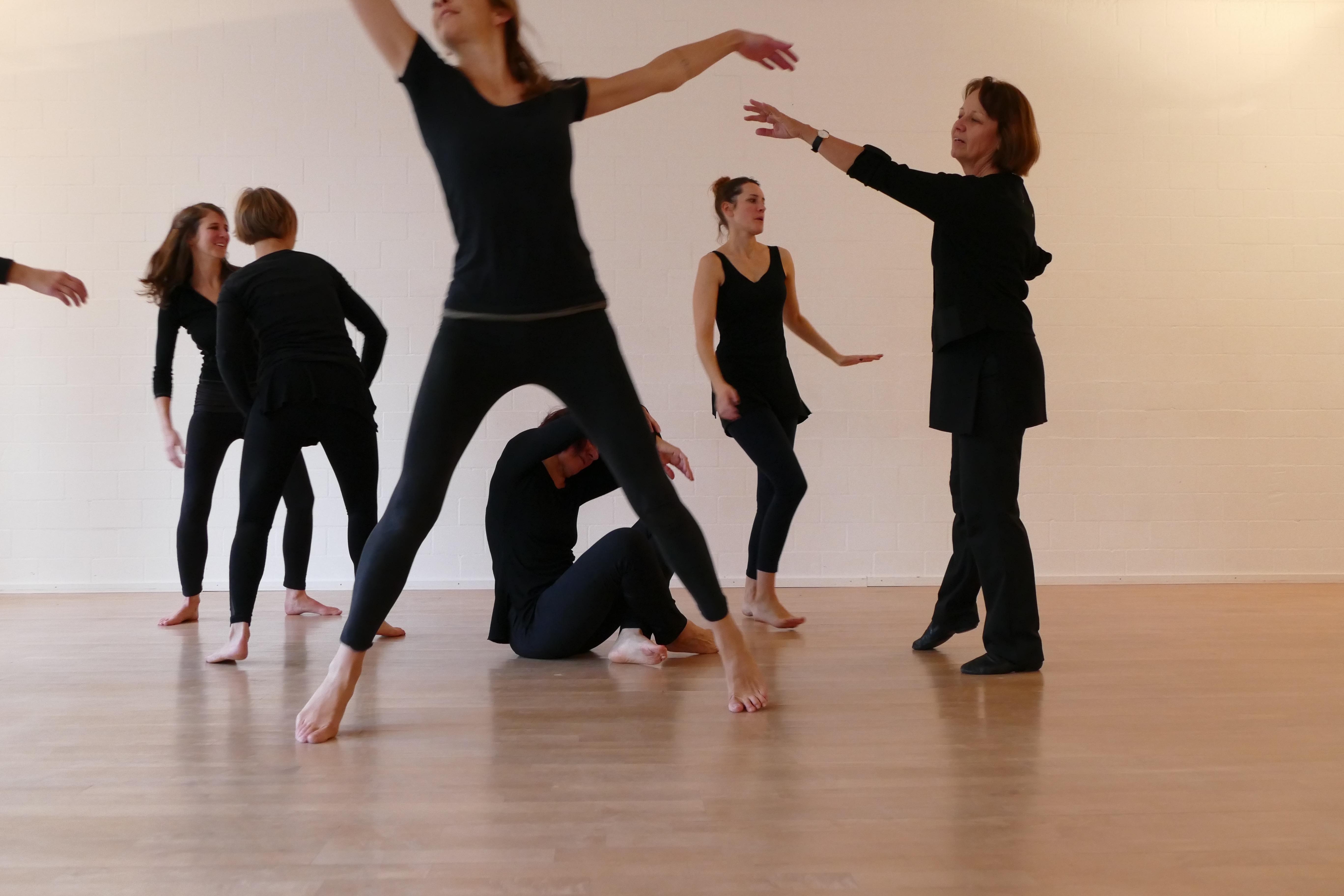 annalies-preisig-ausbildung-tanz-und-bewegung